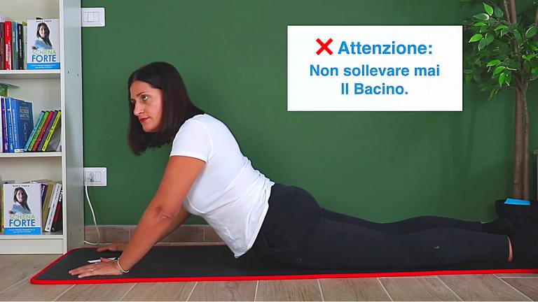schiena forte esercizio cobra mal di schiena lomboschiatalgia acuta colpo della strega